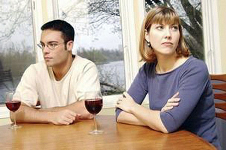 पति-पत्नी के बीच जब हो कम्युनिकेशन गैप