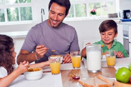 शरीर को ऊर्जा प्रदान करता है शुबह का नाश्ता